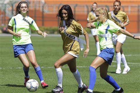 imagenes de los mayas jugando futbol buscando chicas para jugar a f 250 tbol 11 amigos barcelona