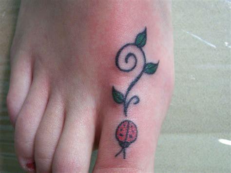 cute ladybug tattoo designs ladybug tattoos pictures to pin on tattooskid