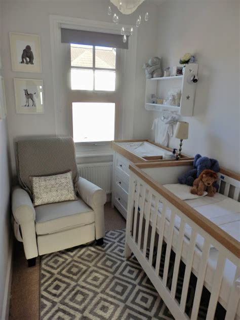 how to decorate a nursery doyounoah how to decorate a small nursery
