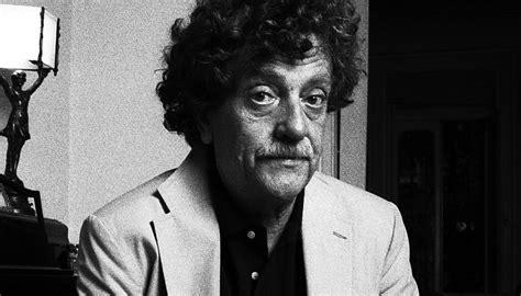 Kurt Vonnegut Essays by Kurt Vonnegut Essay Jeffrey S Kurt Vonnegut Stories Make Your Soul Grow Year Kurt