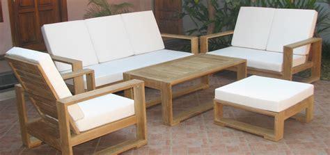 Sofa Sekarang mebel keren namun murah bahan kayu jati konsepnya minimalis