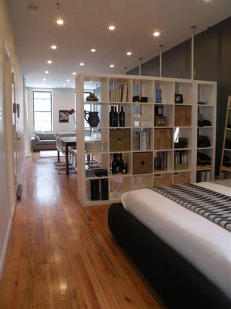Lemari Sekat desain lemari sekat apartemen keren aparumah