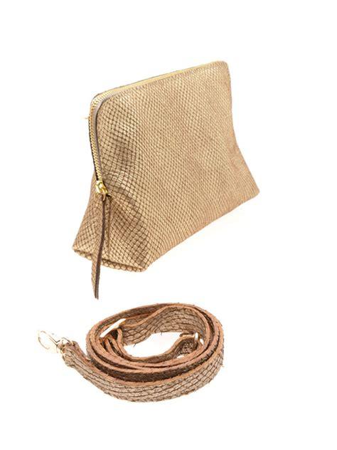 Leather Handbag Beige leather handbag in woven beige gold