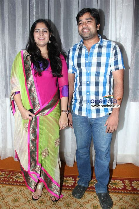 actor vijay sethupathi real wife photos gallery for gt actor vijay sethupathi wife photos