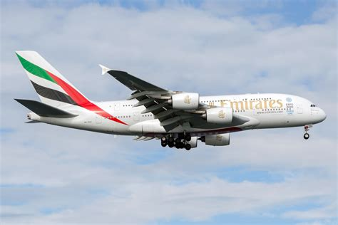 emirates orders airbus gets major a380 order boost from emirates etihad