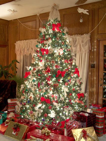 pretty decorated christmas trees tree decorating with birds and amazing ideas