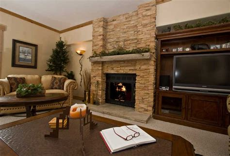 Living Room With Fire Place | fireplace decorating july 2012