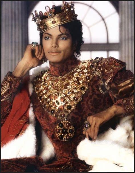 michael jackson the king 1407587927 michael jackson king on throne google search the king of kings ii the o jays