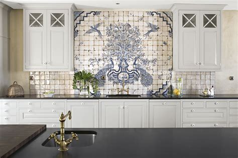 delft tile backsplash willow decor beautiful kitchens from sweden