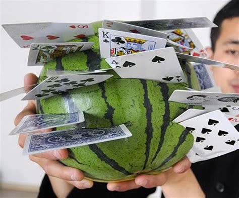 throwing card knives dudeiwantthat