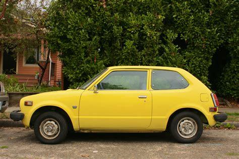 old hatchback old parked cars 1979 honda civic 1200