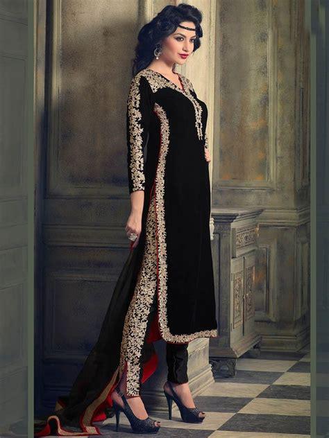 dress design in white colour black color velvet embroidered straight salwar kameez