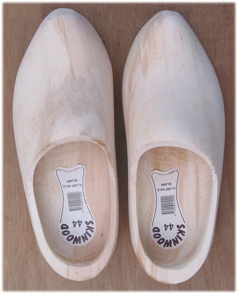 wooden shoe slippers file wooden shoes willow plain wood jpg wikimedia commons