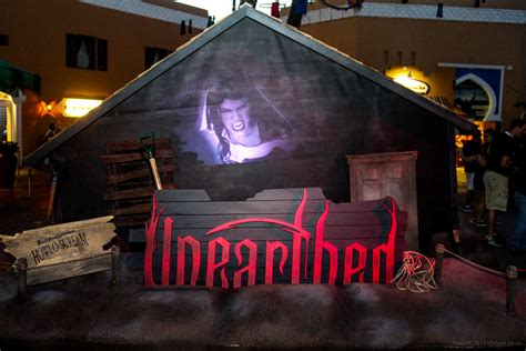Busch Gardens Haunted House by Howl O Scream 2015 Unearths Impressively Eerie New Haunted
