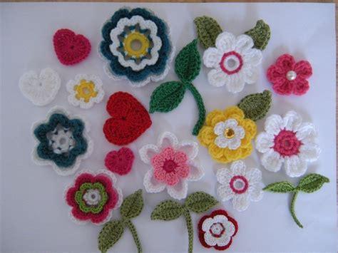 crochet pattern flower applique crochet flower applique patterns 10 flowers 2 leaves 1 heart