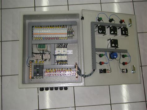 terima jasa perakitan panel kontrol listrik  industri