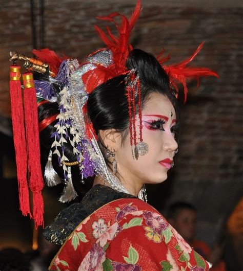 london abc at tattoo circus yusura circus at the convention photo by