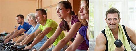 fitnessstudio oder zuhause trainieren im fitnessstudio oder zuhause trainieren moremuscles de