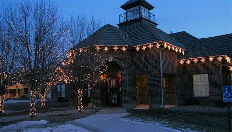 Kansas City Commercial Holiday Outdoor Lighting Follows Outdoor Lighting Business