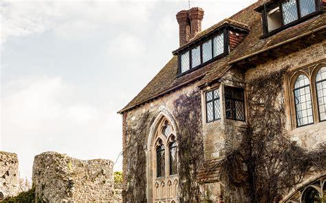 castle wedding venues south west wedding venues in west sussex south east amberley castle uk wedding venues directory