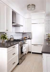 Apartment Galley Kitchen Ideas by Before And After A Drab Nyc Apartment Gets A Mod Makeover