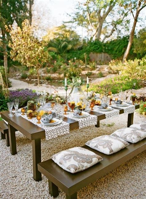 Outdoor Table Runner Outdoor Entertaining Tablescapes Table Settings