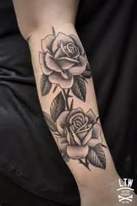 25 tatuajes de rosas negras ideales para ti rosas archives ltw tattoo piercing barcelona