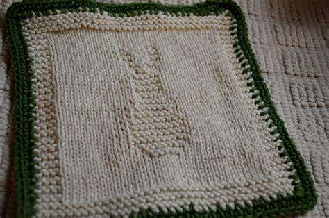 knitting washcloths threads knit washcloths bunny