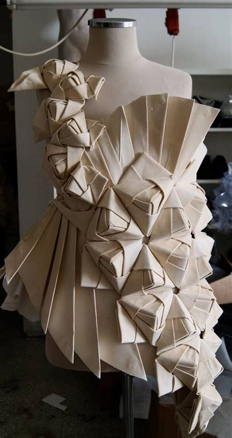 Origami In Fashion - origami fashion design with an asymmetric pleated