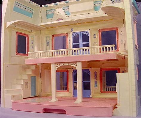 fisher price old doll house doll house price 28 images my fisher price sweet streets doll house margarete