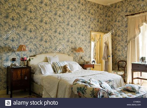 wallpaper in bedroom wallpaper in bedroom dgmagnets com