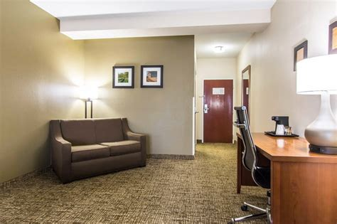 comfort inn cave city ky comfort inn suites cave city kentucky hotel motel