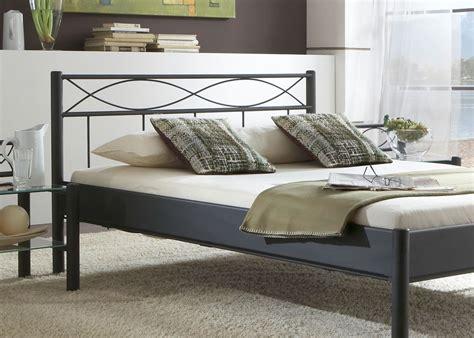futon österreich hochwertiges metallbett lattenrost matratze bett