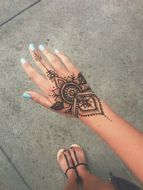 henna tattoo trier pochoir bb beautiful jeu de coloriage dessin pochoir