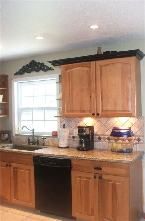 kitchen cabinet bottom molding 17 best images about kitchen cabinet tops on pinterest
