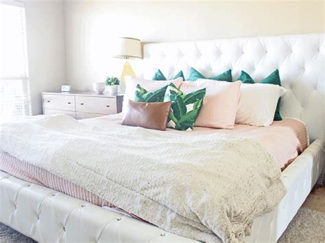 How To Arrange Pillows On King Bed | how to arrange pillows on a king size bed lacey placey