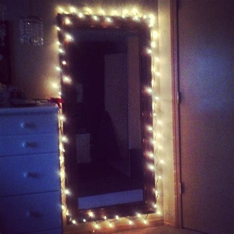Mirror With Light Bulbs Around It by Put Simple White Lights Around Mirror Gives