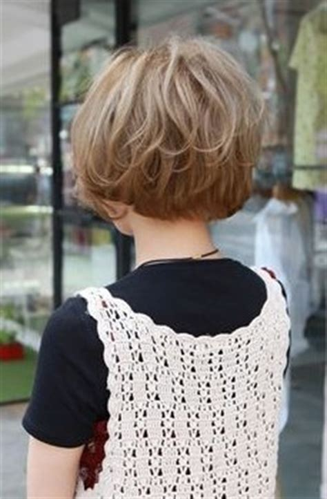 show side back view of the original dorothy hamil haircut short boy cuts for women hairstyles weekly