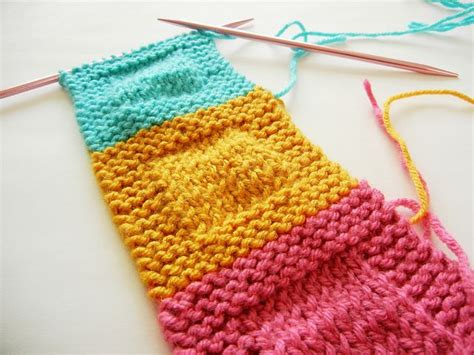 how to knit a square best 25 knitting squares ideas on knitted