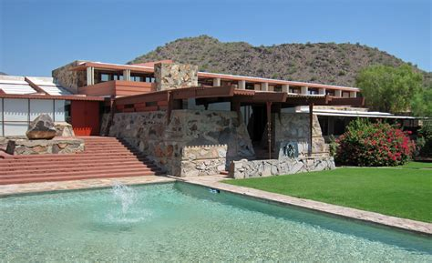 frank lloyd wright taliesin l frank lloyd wright s winter home and taliesin west