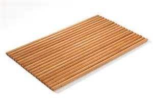 rhomtuft enjoy wooden bath mat artedona
