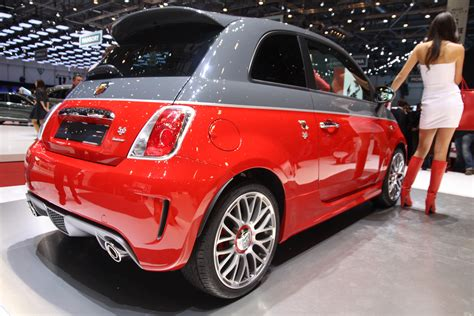 fiat 500 price range fiat abarth 595 entered indian market with price range of