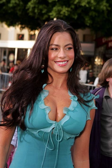 sofia freeones sofia vergara showing cleavage