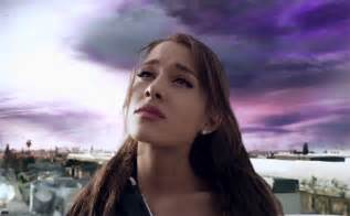 Ariana grande quot one last time quot club corbeille