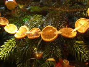 natural christmas garland ideas dried flower crafts