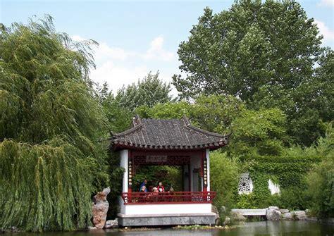 chinesischer pavillon der traditionelle chinesische garten als refugium