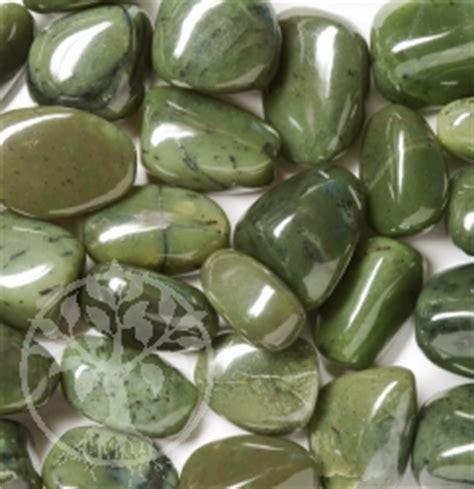 Nafrit Jade Kg jade nephrit tumbled stones 25 35mm 0 2 kg edelsteine
