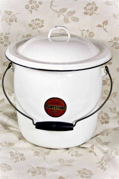 Vintage Enamelware Chamber Pot   For the Home   Pinterest