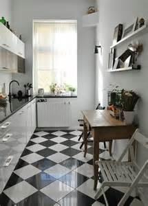 Superior Cuisine Blanche Sol Noir #2: Carrelage-damier-noir-et-blanc-belle-cuisine-style-nordique.jpg
