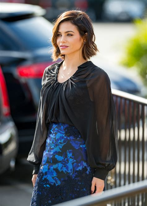 how to style jenna dewan s short hair more pics of jenna dewan tatum knee length skirt 1 of 27